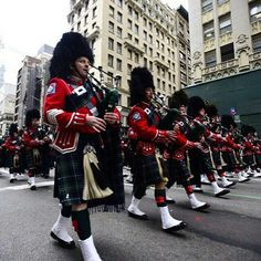 FEATURED POST   @Regrann from @fdny -  The FDNY Emerald Society Pipes and Drums band stepping off in the NYC.  ___Want to be featured? _____ Use #chiefmiller in your post ... . CHECK OUT IT! Welcome to Safe Fleet offering some of the most rugged and respected brands in the industry. Elkhart Brass FRC FoamPro & ROM head up the Safe Fleet Emergency Division list of legacy brands http://ift.tt/1ky0ycH . .  #fire #firetruck #firedepartment #fireman #firefighters #ems #kcco  #brotherhood…