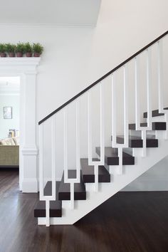 Black & White Staircase – Love the #railing! #staircase #stairs