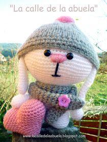 La calle de la abuela: Un conejito blanco... con un corazón rosa.