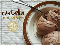 homemade nutella ice cream. without a machine, and only 4 ingredients! #nutella #icecream | www.livecrafteat.com