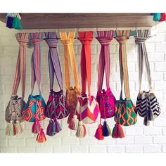 Minis for days 🌈 Shop these beauties now! ~ www.chilabags.com Tapestry Bag, Tapestry Crochet, Knit Crochet, Crochet Bags, Summer Beach Looks, Bag Display, Fendi Bags, Purse Patterns, Knitted Bags