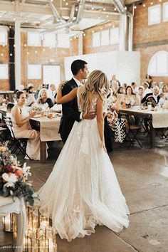 32 Beach Wedding Dresses Ideas to Stand Out! Many couples think it romantic to have a beach wedding. Informal Wedding Receptions, Informal Weddings, Unique Weddings, Hindu Weddings, Fairytale Weddings, Country Weddings, Vintage Weddings, Wedding Vintage, Lace Weddings