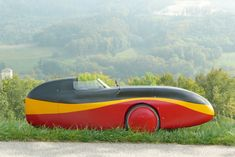 WAW The WAW is a superfast velomobile, fine-tuned for practical, comfortable and safe cycling in everyday traffic.