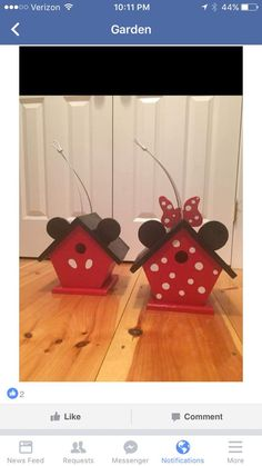 Mickey and Minnie Birdhouses for the Garden. Cute Disney birdhouse craft idea
