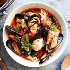 We have Italian immigrants living in San Francisco to thank for cioppino, a tasty tomato-based seafood stew. The post Seafood & Fennel Cioppino appeared first on Woman Casual. Seafood Platter, Seafood Appetizers, Seafood Dishes, Seafood Boil, Fresh Seafood, Italian Seafood Stew, Italian Soup Recipes, Italian Menu, Recipes Dinner