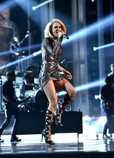 """Carrie Underwood performing """"Church Bells"""" in Las Vegas Carrie Underwood Feet, Carrie Underwood Pictures, Country Women, Country Girls, Country Music, Celine Dion, Country Female Singers, All American Girl, American Idol"""