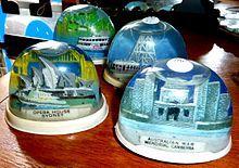 Snow globe - Wikipedia