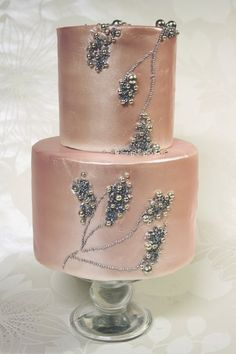 Metallic and pearls #cake