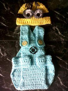 Despicable Me crochet photo shoot minion 0-3 months, by Nonnys knits