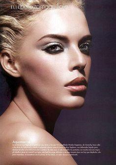 Makeup Tips: Beauty Tips: Eye Makeup: Black and Silver Dramatic Smokey Eye