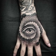 Looking for the best hand tattoos? Hand tattoos for men are bold and rebellious. Because hand tattoos are very visible and painful to get, think twice if you plan on…View Tribal Hand Tattoos, Herren Hand Tattoos, Hand Tattoos For Guys, Hand Tats, Unique Tattoos, Body Art Tattoos, Sleeve Tattoos, Mens Hand Tattoos, Cross Tattoos