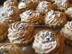 Dragostea in bucate: COSULETE CU NUCA SI GEM DE CAISE Romanian Food, Saveur, Biscotti, Frosting, Bakery, Deserts, Muffin, Food And Drink, Dessert Recipes