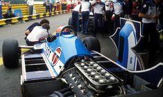 What an engine! Jean-Pierre Jabouille and his Ligier-Matra (engine MATRA Formula 1, Grand Prix, Alpine Renault, Matra, Gilles Villeneuve, Race Engines, Vintage Race Car, Car And Driver, France