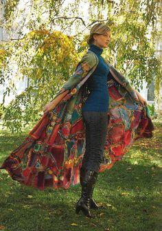 Beautiful example of the #crochet mastery of Prudence Mapstone! | Ravelry: libertad artistica pattern by Prudence Mapstone