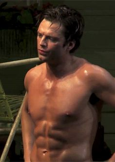 Sebastian Stan<< okay so i know everyone is pinning this cos he's super attractive, but it looks like he's saying 'shut up' and i can't help but think steve is giving him crap at the gym. Sebastian Stan Sin Camisa, Sebastian Stan Shirtless, Bucky Barnes, Ben Barnes, Marvel Dc, Girl Faces, Sabastian Stan, Winter Soldier Bucky, Sam Sam