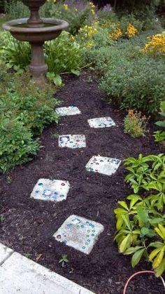Karen S Garden In Ohio Click Through To Read More About This Garden Fine Gardening Magazine Love Garden Garden Paths