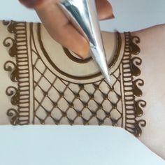 Mehndi Designs Front Hand, Mehandhi Designs, Latest Arabic Mehndi Designs, Mehndi Designs For Kids, Mehndi Designs Feet, Indian Mehndi Designs, Stylish Mehndi Designs, Beautiful Henna Designs, Simple Mehndi Designs