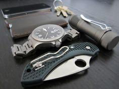 Sinn 856 non-utc Spyderco Dragonfly ZDP-189 Zebralight SC51 Saddleback Leather Simple Wallet Iphone 4 Keys