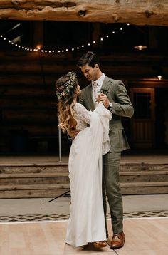 Romantic Wedding Hairstyles Using Flowers Wedding Goals, Wedding Pics, Wedding Styles, Wedding Dresses, Wedding Ideas, Whimsical Wedding, Boho Wedding, Dream Wedding, Romantic Wedding Receptions