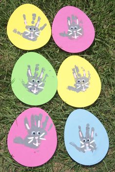 Easter bunny hand print craft. *I would put the 1st & 2nd finger together & the 3rd & pinky fingers together for the ears & leave the thumb off.