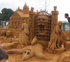 sand castles   =http://pictures.bigfunnysite.com/disneys-haunted-mansion-sand-castle ...