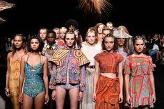 Models walk the runway at the Desert Designs show during Mercedes-Benz Fashion Week Australia 2014 Aboriginal Clothing, Aboriginal Art, Aboriginal Culture, Fashion Prints, Fashion Art, Australian Clothing, Indigenous Australian Art, Desert Design, Australian Fashion Designers