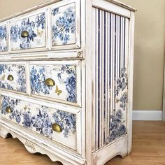 Trends in Furniture – Shabby chic furniture – Home Decor Do It Yourself Decoupage Furniture, Hand Painted Furniture, Refurbished Furniture, Paint Furniture, Repurposed Furniture, Unique Furniture, Shabby Chic Furniture, Furniture Projects, Rustic Furniture