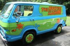 Guy Builds Mystery Machine, Batmobile & More Famous Cars