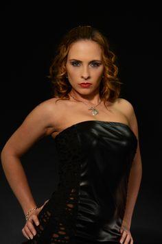 https://flic.kr/p/nrwmQ1   Model photoshoot   Model: Louise Neale Make Up Artist: Latoya Adlam.  Dress: Mycre8tion