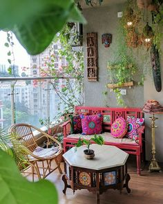 ✔ Christmas Home Interior Inspiration ✔ Ispirazione per interni domestici di Natale Ethnic Home Decor, Indian Home Decor, Indian Inspired Decor, Bohemian Interior Design, Home Interior Design, Bohemian Decor, Hippie House Decor, Bohemian Style Rooms, Bohemian Fall