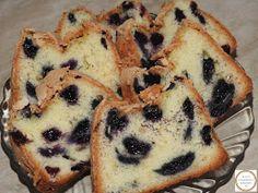 Pandispan cu afine Muffin, Breakfast, Food, Fine Dining, Morning Coffee, Meals, Muffins, Yemek, Morning Breakfast