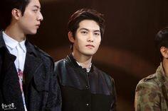 Cnblue JH at Golden disk award