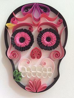 "Mexican Calaveras, the famous ""Sugar Skull"" of the Day of the Dead on quilling to celebrate this beautiful mexican tradition. Halloween Door Decorations, Halloween Crafts, Best Yeast Rolls, Quilling Cake, Famous Mexican, Knitting Machine Patterns, Paper Quilling Designs, Arts And Crafts, Paper Crafts"