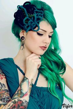 Love the hair, the piercings, and the ink Indian Hairstyles, Weave Hairstyles, Pretty Hairstyles, Piercings, Piercing Tattoo, Pin Up, Locks, Corset, Punk