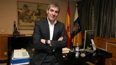 La mujer del presidente de Canarias tiene vínculos con la empresa que cobró 26 millones de PSOE y CC