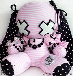 deviation Precious Bunny by splitmindplush on DeviantArt deviation Precious Bunny by SplitxMindxPlush…. Diy Plush Toys, Plush Dolls, Bunny Plush, Cute Plush, Softies, Plushies, Mode Lolita, Pastel Goth Fashion, Pastel Punk