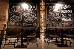 Original decoración en el  #restaurante #hamburgueseria The Black Turtle® en barrio #Ruzafa #Valencia. #decoración #industrial #fabrica. www.theblackturtle.es