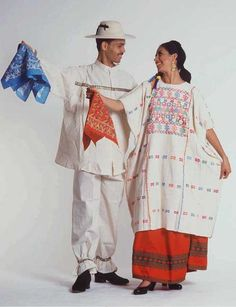 Traditions of Mexico - Ballet Folklorico Mexican Costume, Mexican Outfit, Mexican Dresses, Mexican Style, Folk Costume, Mexican Art, Mexican Traditional Clothing, Traditional Dresses, Folklore