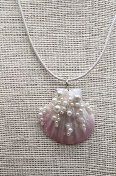 Mermaid Seashell and Pearl airbrushed necklace. by Luxembears