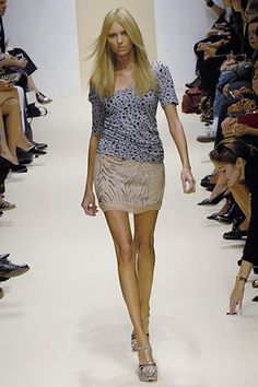 Alessandro Dell'Acqua Spring 2007 Ready-to-Wear Fashion Show - Anja Rubik