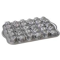 Nordic Ware Platinum Collection Cast-Aluminum Nonstick Tea-Cake and Candy Mold Nordic Ware http://www.amazon.com/dp/B000VEFN8O/ref=cm_sw_r_pi_dp_mOF-vb0NH1RAK