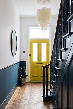 Chris Snook . Interiors Style At Home, Farrow And Ball Paint, Farrow Ball, Victorian Hallway, Victorian Front Doors, 1930s Hallway, Victorian Front Garden, Victorian Terrace House, Victorian Living Room