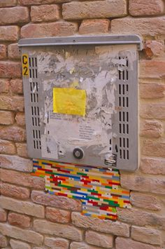 DISPATCHWORK - 'Fixing the world with LEGO bricks' - Jan VORMANN, Venice, Italy http://restreet.altervista.org/dispatchwork-larte-di-riparare-con-i-lego/