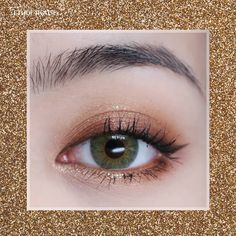 . 9 Color Eyes that shine brilliantly and twinkle like a shimmering ornament on a Christmas tree NEW Tiny Twinkle Eyes . #계피 님의 #홀리데이메이크업…