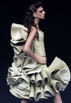 Fashion as Art - two-tone sculptural ruffle dress with dramatic layered structure; experimental 3D fashion // Alexander McQueen