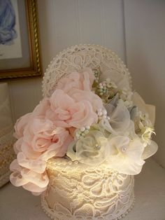 Lovely, lace box with delicate handmade flowers~❥