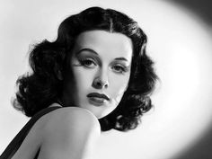 Tahukah bahwa Hedy Lamarr sang penemu teknologi WiFi, kini muncul di Google Doodle hari ini, bertepatan dengan hari kelahiran Hedy Lamarr yaitu 9 November...