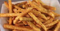 Vamos mostrar como preparar uma deliciosa batata frita sem usar uma gota de óleo, margarina ou manteiga.