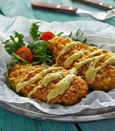 Piersi kurczaka w chipsach z sosem musztardowym