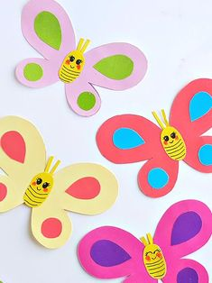 Smiley Butterflies Paper Craft with Butterfly Template Free Printable #crafts #kids #butterflies #spring #printable